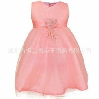 Đầm công chúa bé gái kiểu dáng cài hoa ngay vùng thắt lưng, tạo điểm nhấn cho bé xinh càng xinh Mã sản phẩm:  D086 Giá bán:  170,000 đ Size               Số kg  90                8 - 10kg 100          của thaonguyen1793 tại Hồ Chí Minh - 3799859