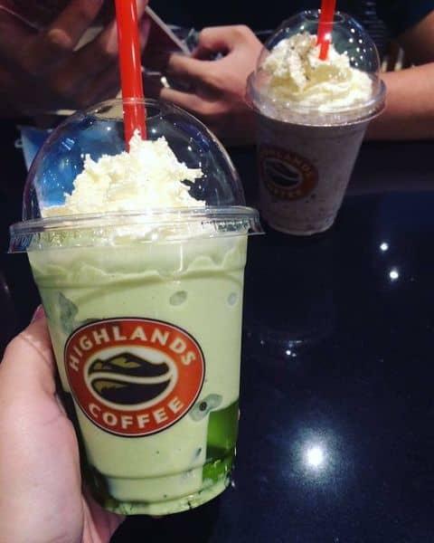 Freeze trà xanh tại Highlands Coffee - Cộng Hòa của