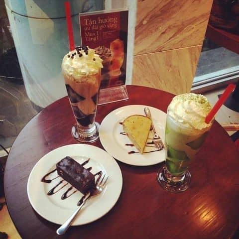 Các hình ảnh được chụp tại Highlands Coffee - Nguyễn Du