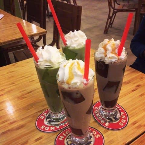 Các hình ảnh được chụp tại Highlands Coffee - Hoàng Đạo Thúy